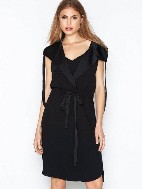 Billede af By Malene Birger Granda Dress Loose fit dresses Black
