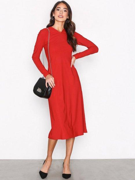Billede af Filippa K Flared Seam Dress Kropsnære kjoler Rouge