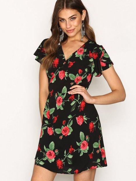 Billede af Ax Paris Flower Tea Dress Skater dresses Black Print