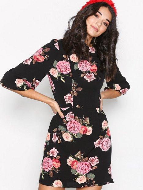 Billede af Ax Paris Floral SS Dress Langærmede kjoler Black