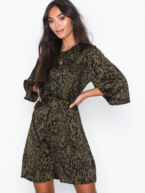 Billede af Ax Paris Mid Sleeve Knot Dress Loose fit