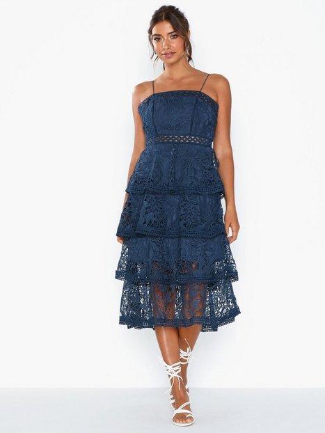 Billede af True Decadence Frill Lace Midi Dress Tætsiddende kjoler