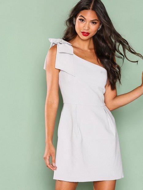 Billede af True Decadence One Shoulder Frill Dress Kropsnære kjoler Light Grey