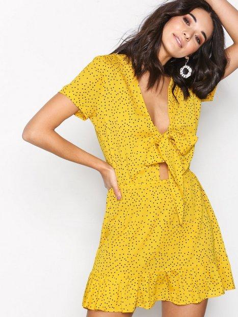 Billede af Glamorous Flounce Dress Kjoler Yellow