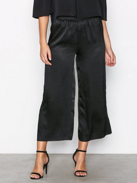 Glamorous Pleated Pants Housut Black thumbnail
