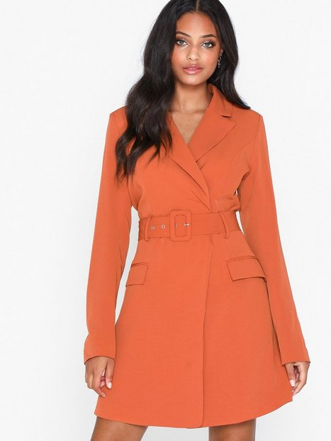 Billede af Glamorous Belted Blazer Dress Tætsiddende kjoler