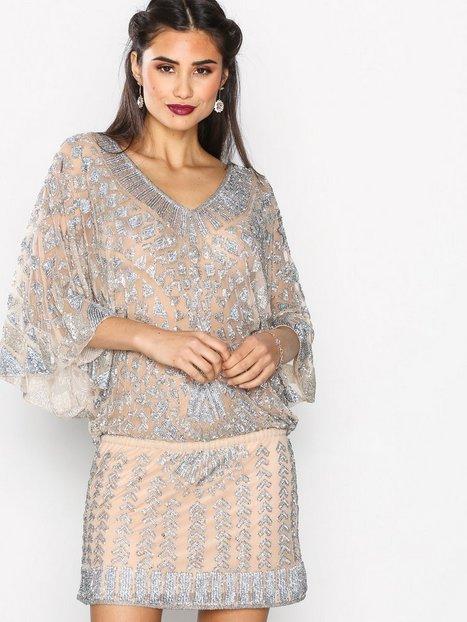 Billede af Forever Unique Sharla Dress Kropsnære kjoler Champagne