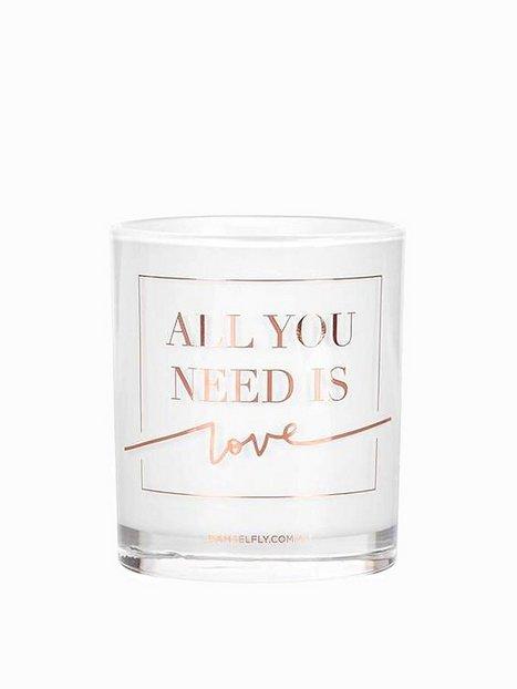 Billede af Damselfly Candles All You Need Is Love Duftlys
