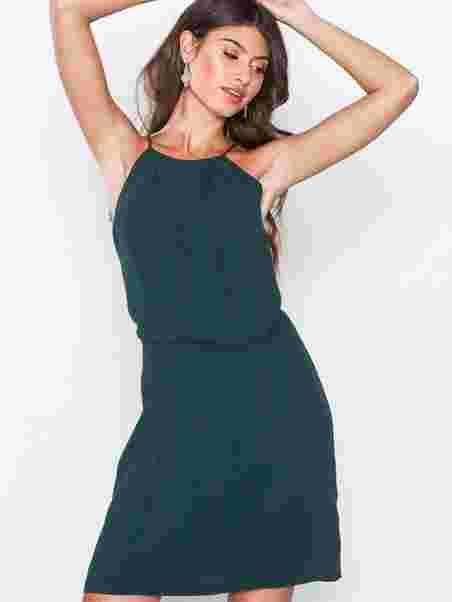 0c9e0a40b9 Willow Short Dress 5687 - Samsøe Samsøe - Ponderosa Pine - Party ...