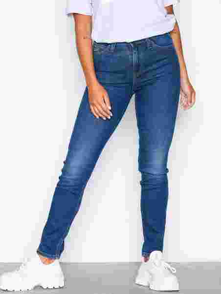86053b35e02 Scarlett High True Blue - Lee Jeans - Blue - Jeans - Clothing ...