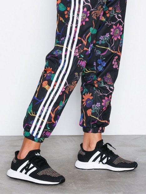Billede af Adidas Originals Swift W Sneakers Sort / Hvid