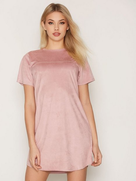 NLY Trend Faux Suede T-shirt Dress Loose fit dresses Rose thumbnail