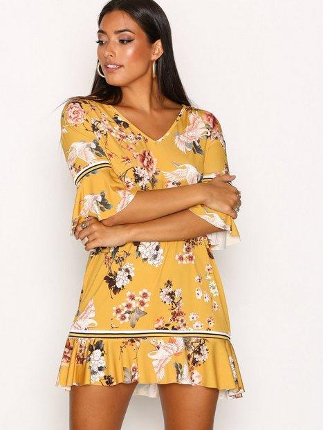 Billede af Sisters Point Coster Dress Loose fit dresses Saffron