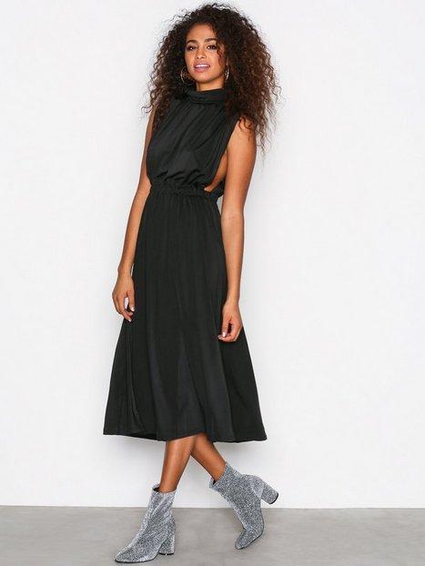 Billede af Sisters Point Brazil Dress Festkjoler Black
