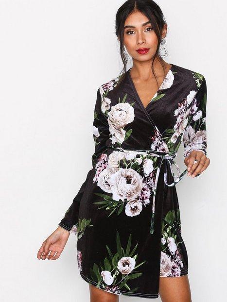 Billede af Sisters Point Cobo Dress Langærmede kjoler Black