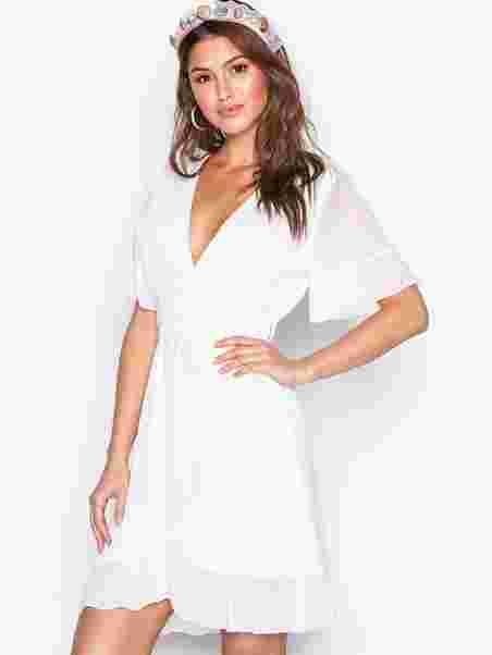 dd860fdc Greto Dress - Sisters Point - White - Festkjoler - Tøj - Kvinde ...
