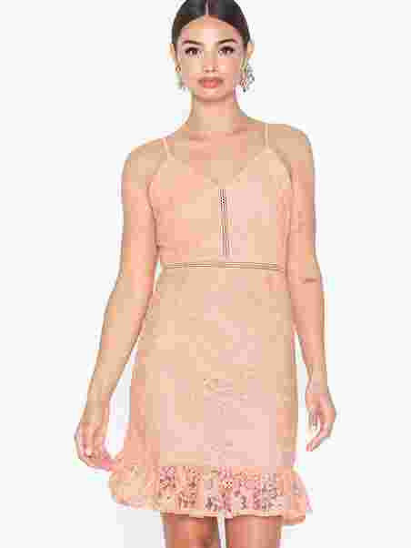 591f707f92f5 Noffi Dress - Sisters Point - Pink - Party Dresses - Clothing ...