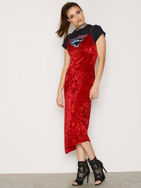 lady in red dress nly trend rot partykleider kleidung damen mode online. Black Bedroom Furniture Sets. Home Design Ideas
