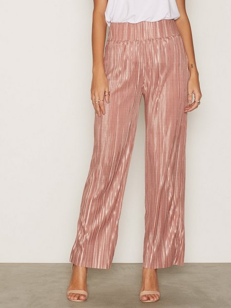 Pleated Wide Pants