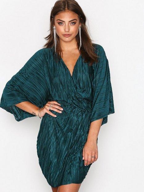 Knot Pleat Kimono Dress