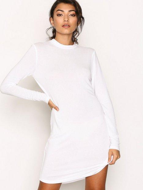 Billede af NLY Trend Loose Fit Open Back Dress Loose fit dresses Hvid