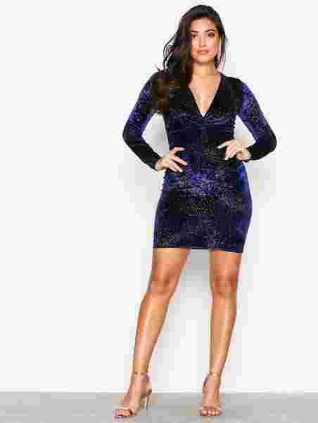 Shoppa V Drop Formation Dress - Online Hos Nelly.com 01352ec6c4a27