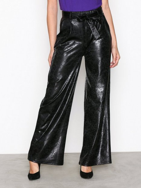 NLY Trend Wide Crushed PU Pants Housut Musta thumbnail