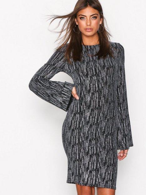NLY Trend Sparkle Wide Mini Dress Kotelomekot Musta/Hopea thumbnail