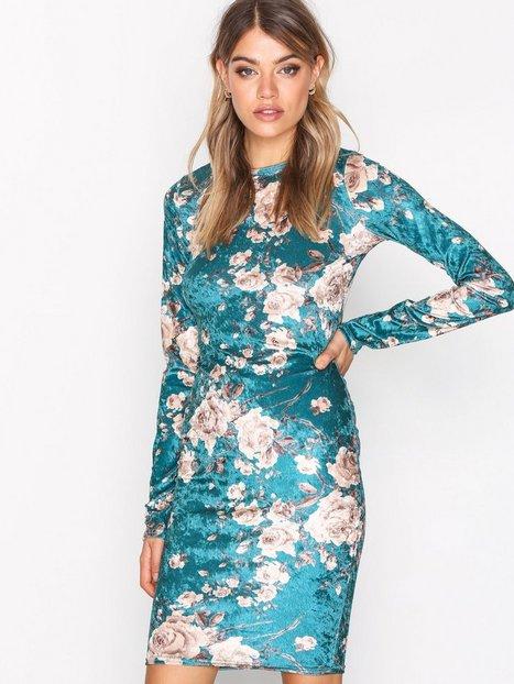 NLY Trend Print Velvet Dress Kotelomekot Kuviollinen thumbnail