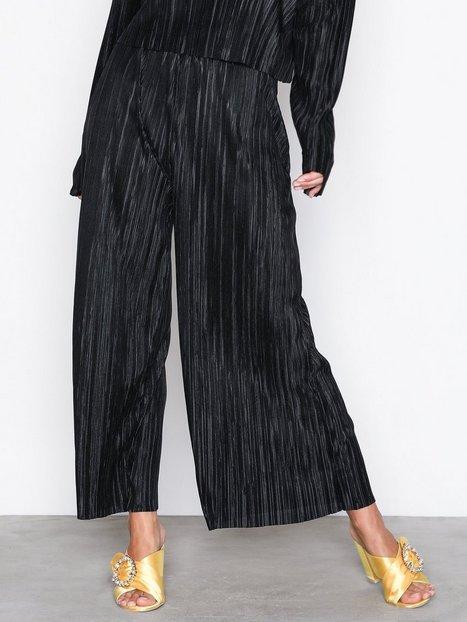 Billede af NLY Trend Pleated Culotte Pants Bukser Sort