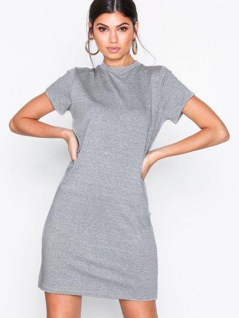 Billede af NLY Trend Basic Cozy Tee Dress Loose fit dresses Grå