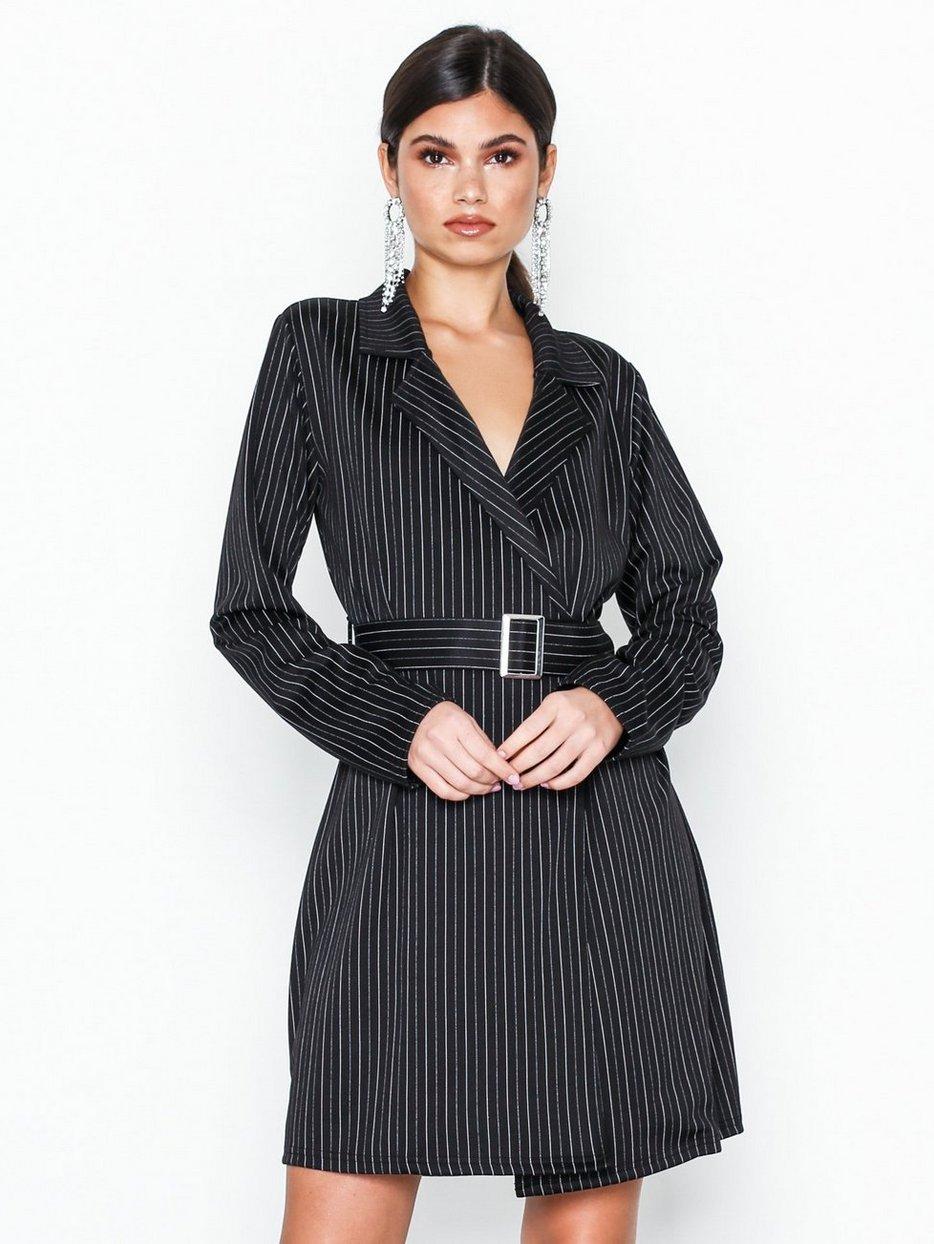 d96ba5e7 Klær Stripete Trend Pinstripe Kjoler Blazer Nly Dress U1HpY