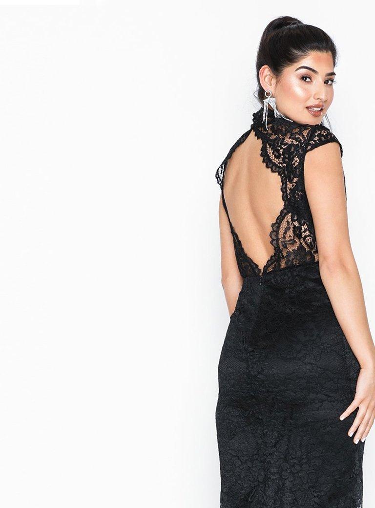 Abendkleider 2019 - Shoppe bezaubernde Abendkleider online - NELLY.COM 7e37670cd2