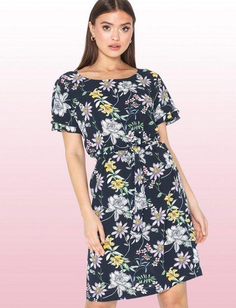 06e3e2046316a Women'S Fashion & Designer Clothes Online - Nelly.com