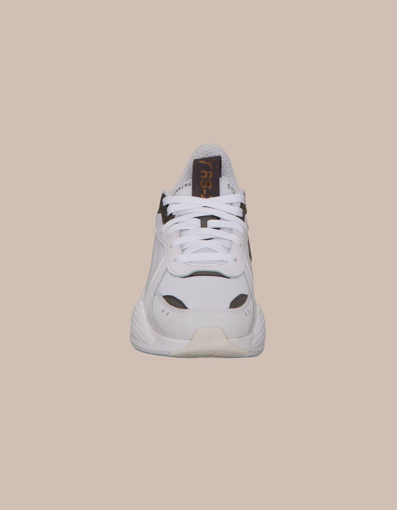 cheaper 68ac7 d9faf Sneaker showdown   Nlyman.com