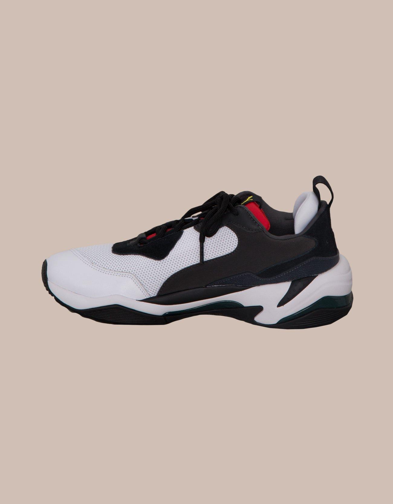 cheaper ccca6 087d4 Sneaker showdown   Nlyman.com
