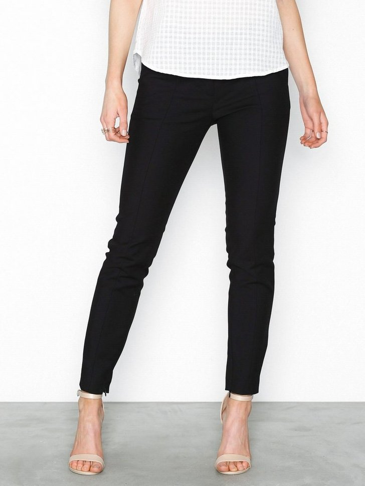 Nelly.com SE - SLFMUSE CROPPED MW PANT NOOS 599.00