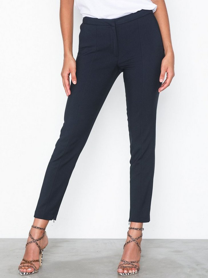 Nelly.com SE - SFMUSE CROPPED MW PANT NOOS 599.00