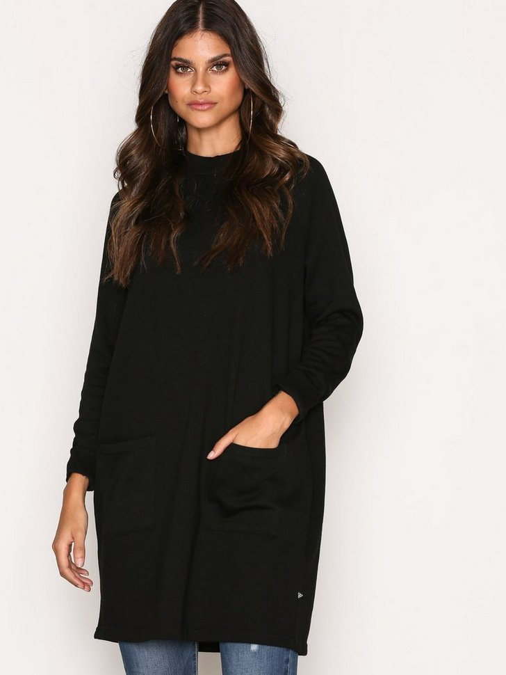 Nelly.com SE - NMCHRISTIAN L/S LONG TOP 4B 259.00