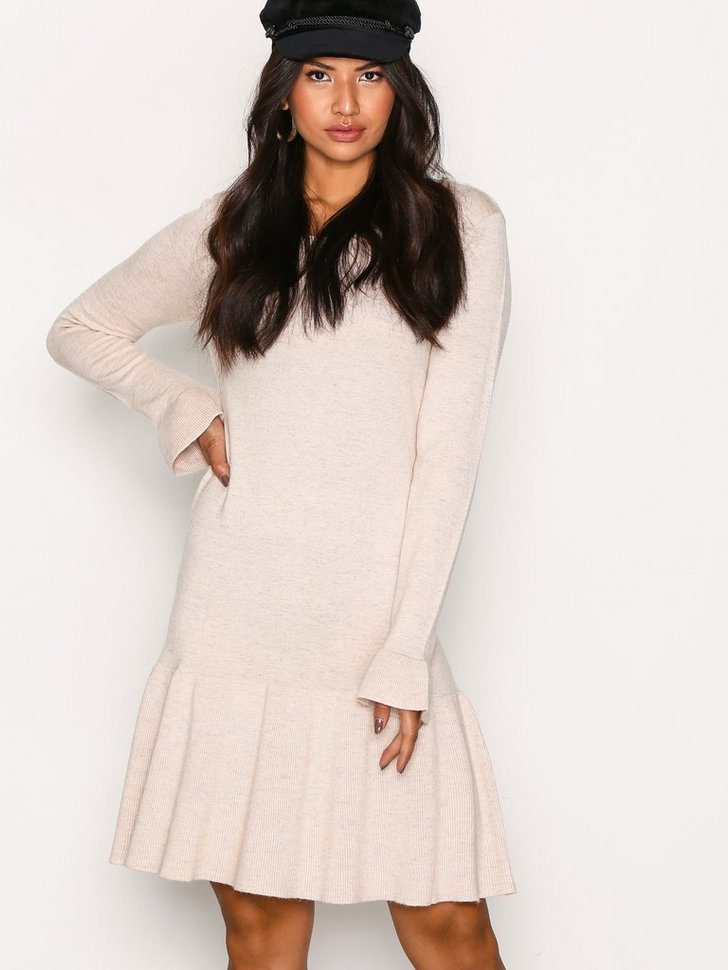 Nelly.com SE - VIVICKA L/S KNIT DRESS/GV 269.00 (449.00)