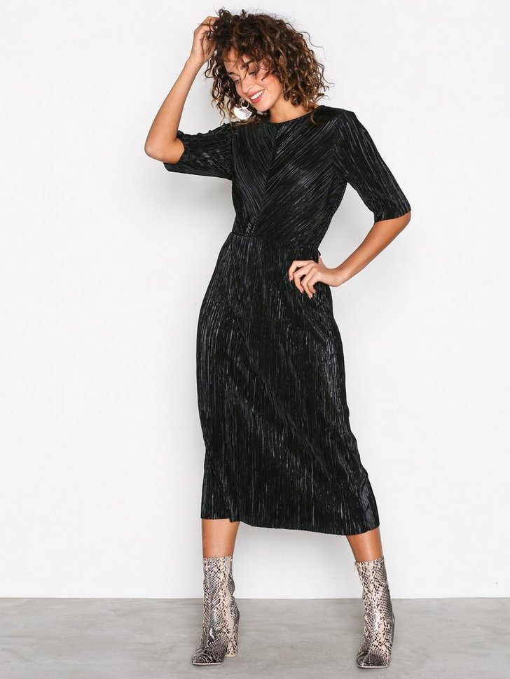 Nelly.com SE - VIFRANCES 2/4 SLEEVE DRESS/P 399.00