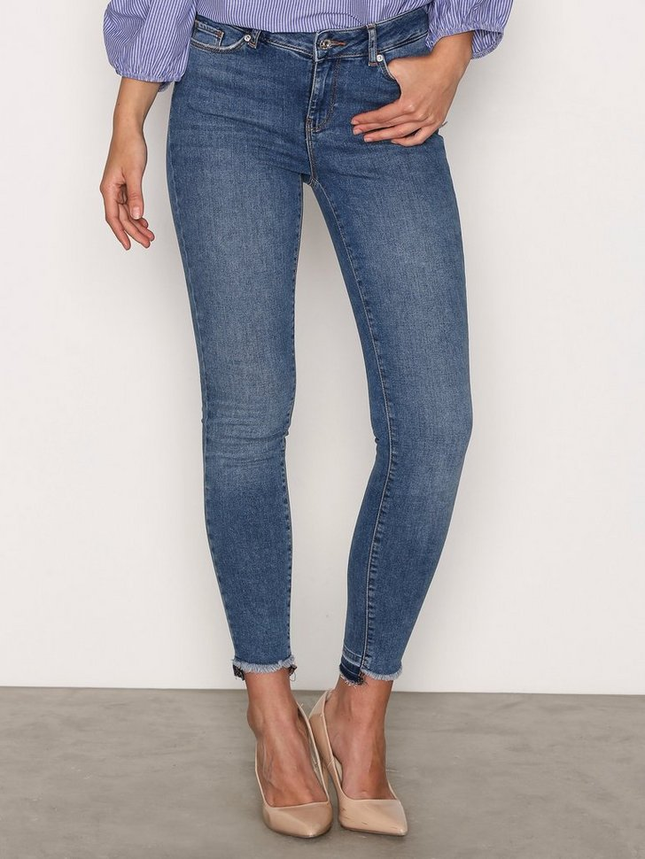 Nelly.com SE - VMSEVEN NW SS HL ANKLE JEANS BA388 399.00