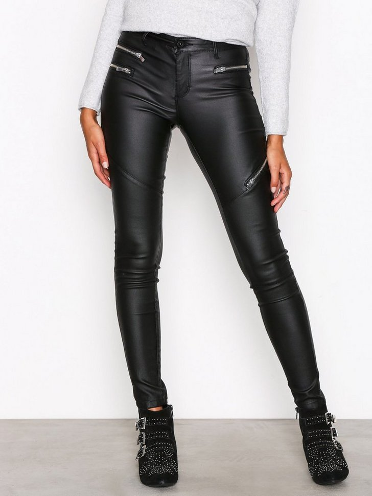 Nelly.com SE - onlROYAL RG SK ZIP ROCK ANK JEANS 429.00
