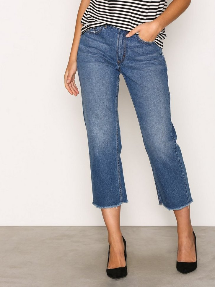 Nelly.com SE - onlCHAD HW STRAIGHT  CROP DNM JEANS 75.00