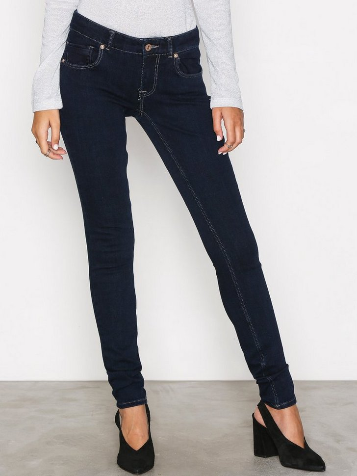 Nelly.com SE - onlDYLAN LOW SK PUSH UP JEANS REA19 479.00