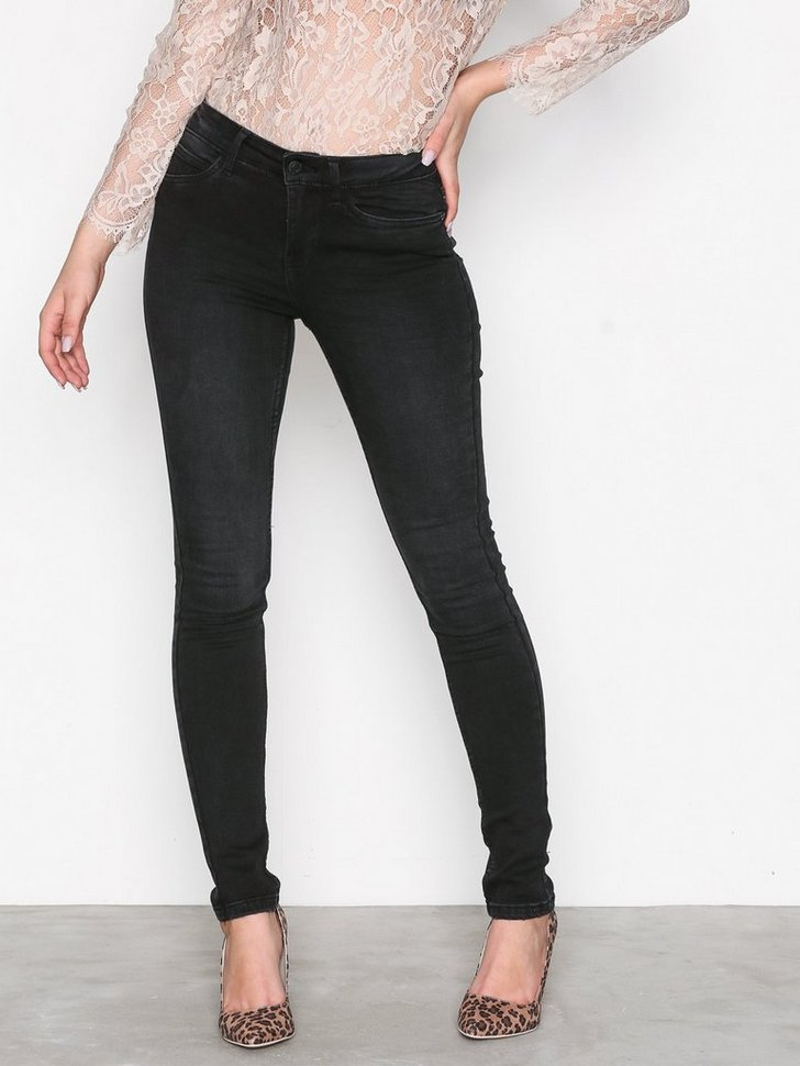 Nelly.com SE - NMLUCY S.S. NW VI876 JEANS NOOS 159.00 (399.00)
