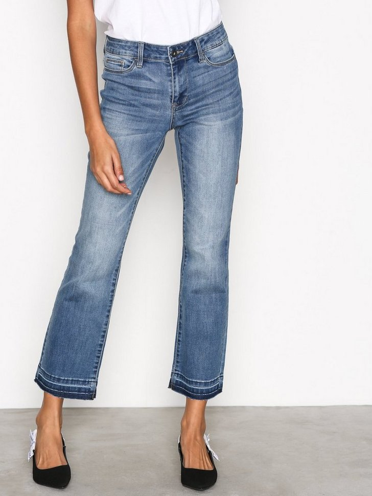 Nelly.com SE - VMTAILOR NW KICK FLARE ANKLE JEANS 209.00 (299.00)