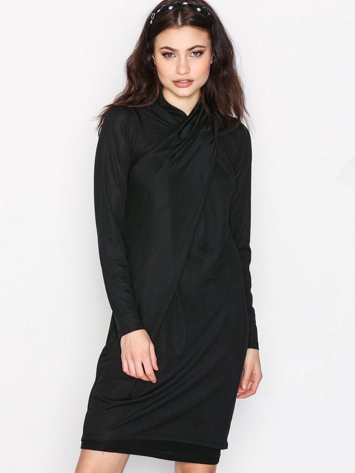 Nelly.com SE - OBJCOSMA L/S DRESS 94 99.00 (499.00)