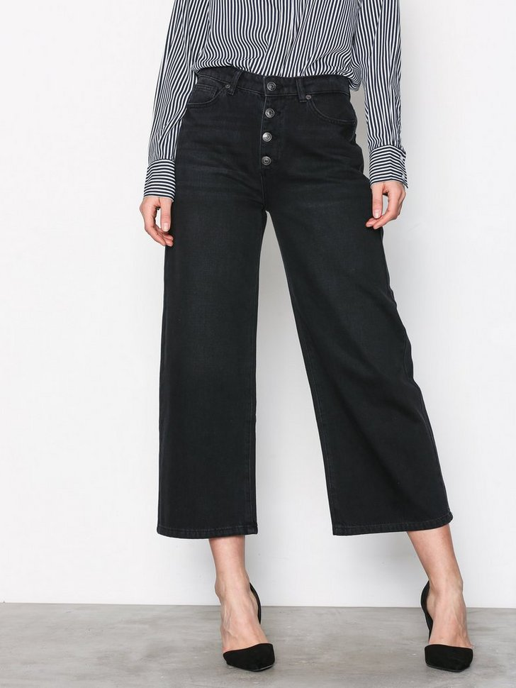 Nelly.com SE - SFGENE HW CROPPED WIDE JEANS BLACK 319.00 (799.00)