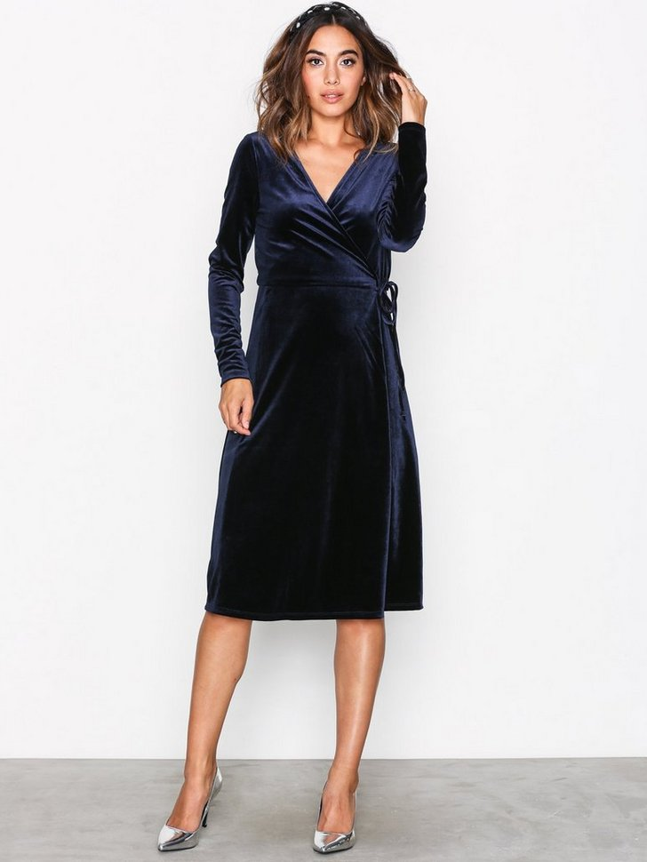 Nelly.com SE - VMBEAVEN L/S WRAP DRESS NO EXP 199.00 (399.00)